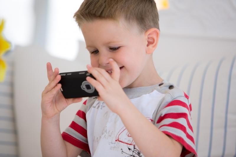 437841-boy-with-camera